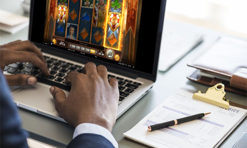 4 parasta online-kasinoa internetissä-Dream-Vegas