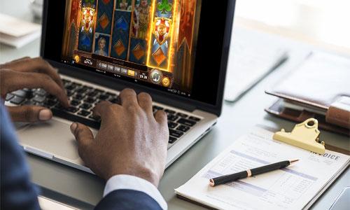 4 parasta online kasinoa internetissä Dream Vegas - 4 parasta online-kasinoa internetissä